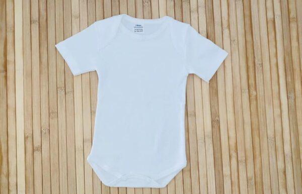 Body blanco cuello americano interior manga corta